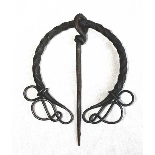 Twisted Brooch