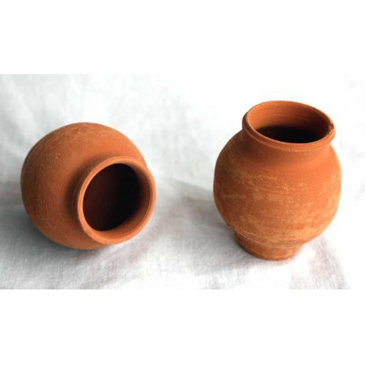 2 x Saxon Pots