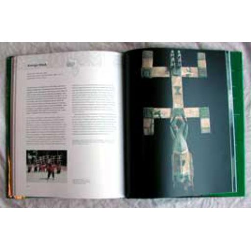 https://starbek-static.myshopblocks.com/images/tmp/af_195b_africa_book.jpg