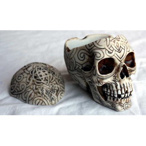Small Engraved Skull