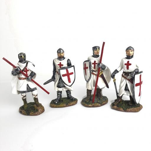 Set of 4 Knights