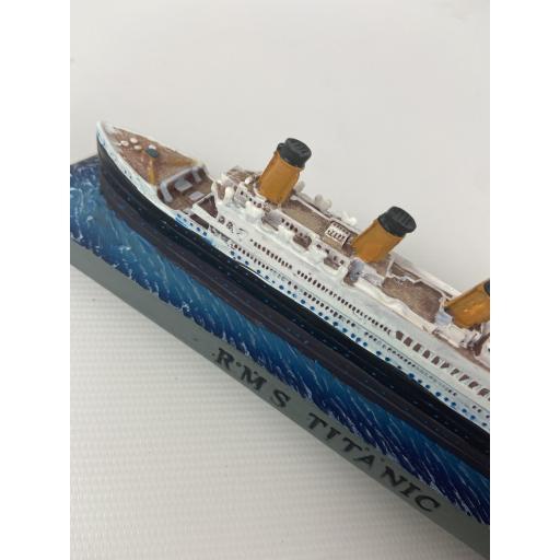 Small Titanic Model
